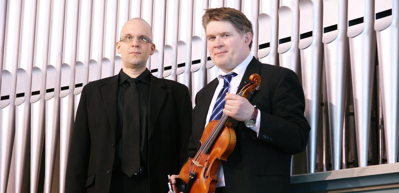 urkuri Marko Kupari ja viulisti Jonas Hirvelä